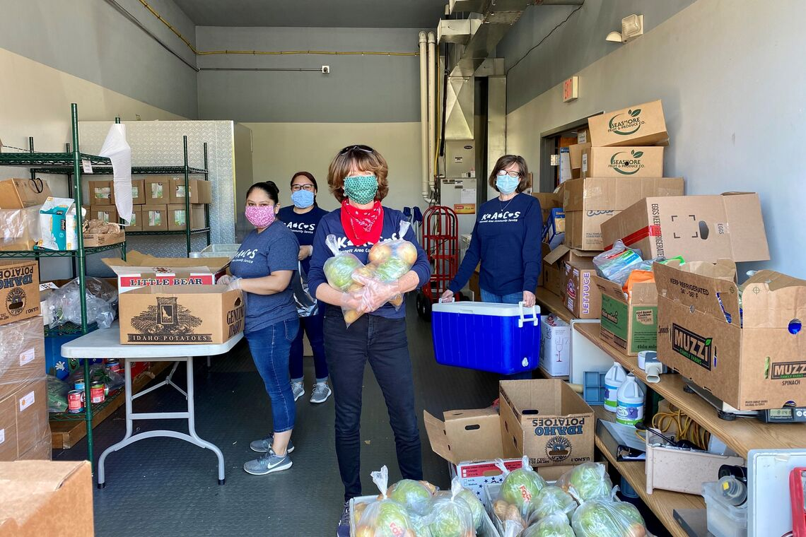 Gardening for the Greater Good_volunteers